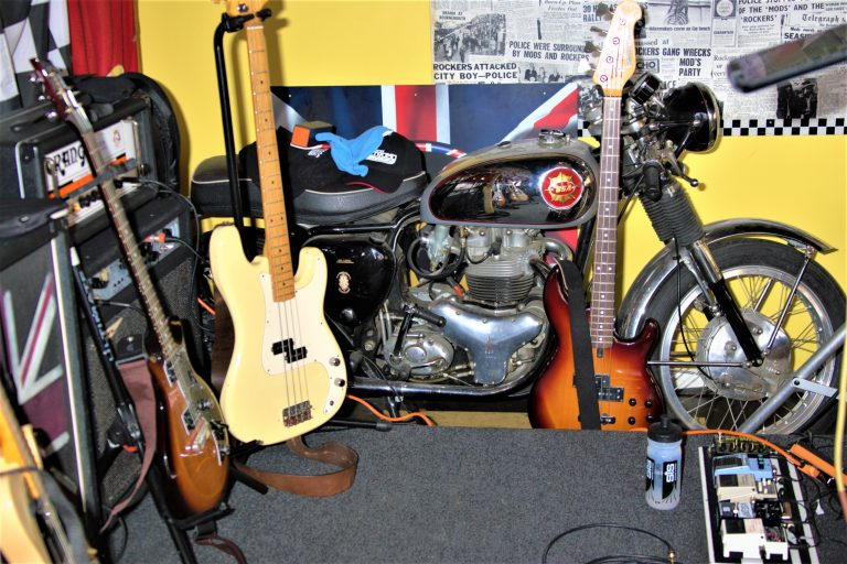 Wonder if that bike will fit in my guitar case ;-)